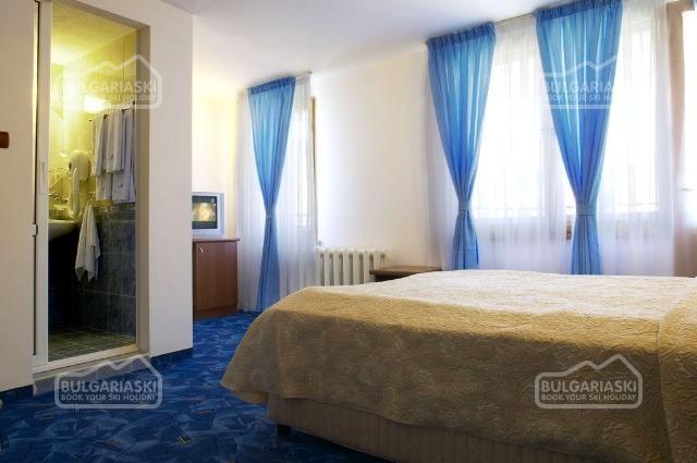 Makrelov Hotel 4