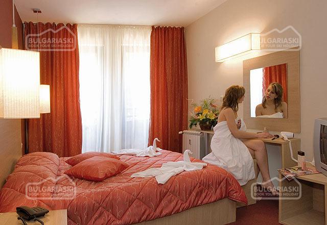 Royal Lodge Spa Hotel10