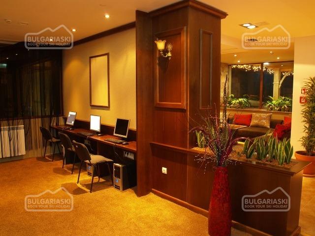 Emerald Hotel3