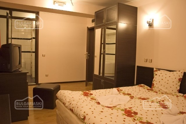 Valentino 2 Hotel6