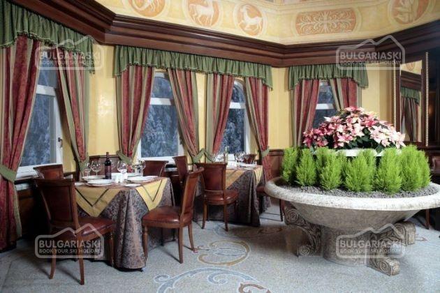 Festa Winter Palace Hotel12
