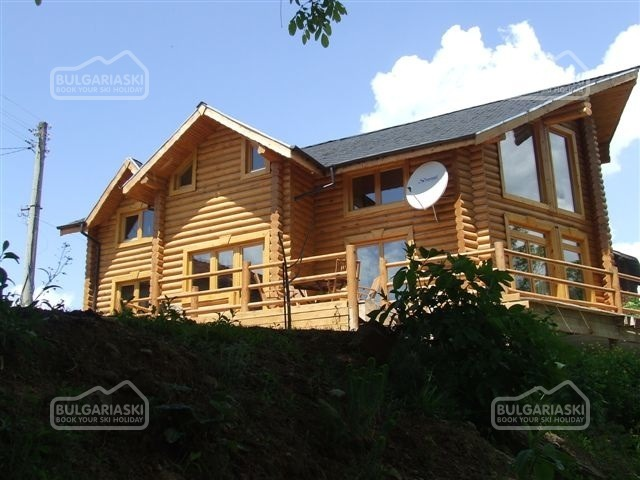 The Green Pine Chalet18