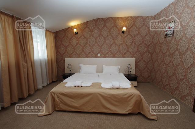 Royal hotel14
