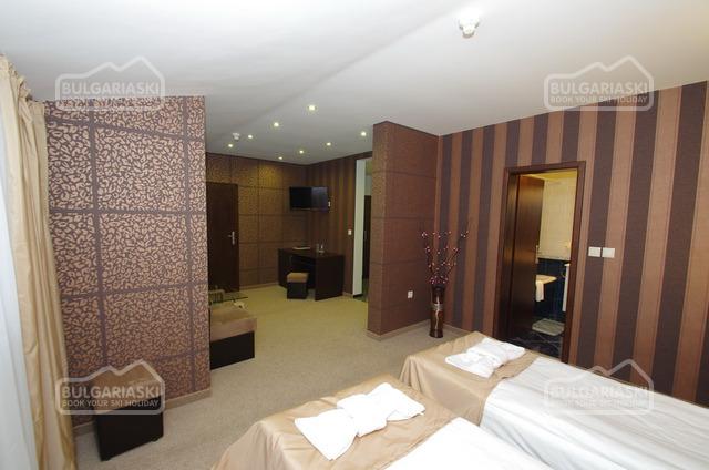 Royal hotel19