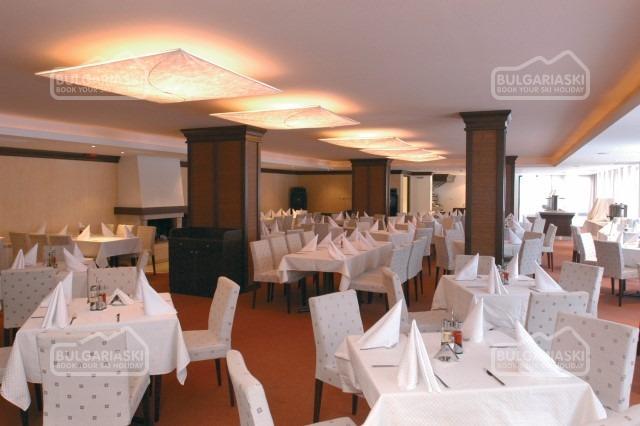 Lion Hotel11