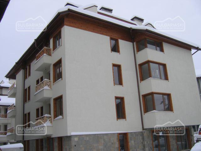 Snow House Apts1