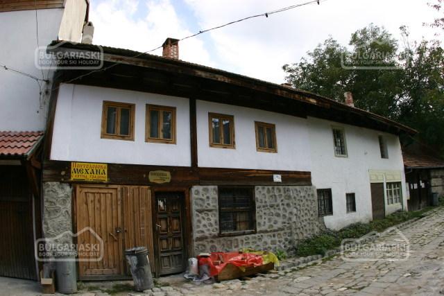 Brier Lodge House1