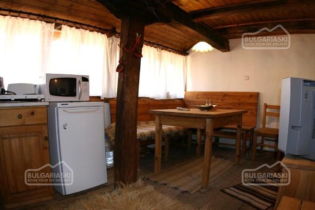 Brier Lodge House11