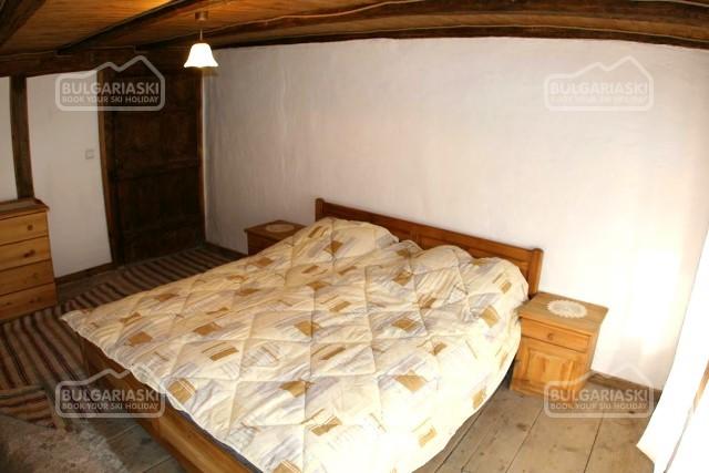 Brier Lodge House13
