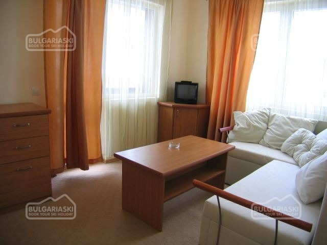 Martin Hotel9