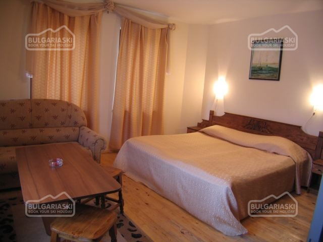 Tourist Hotel3