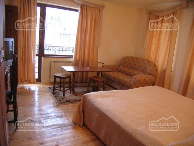 Tourist Hotel4
